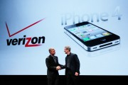 Verizon CEO Lowell McAdam and Apple CEO Tim Cook