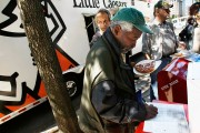Veterans Secretary, Entrepreneur Feed Homeless Vets