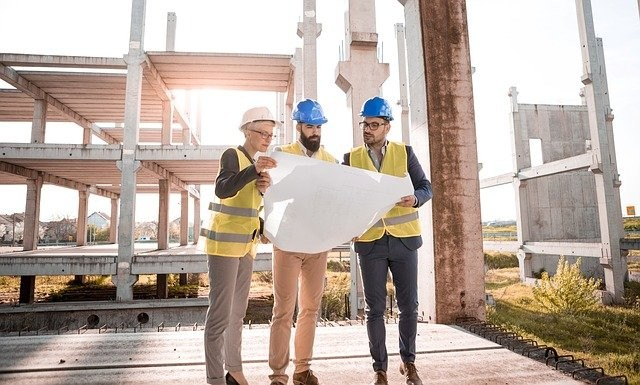 The Construction Industry Lifestyle Pros and Cons